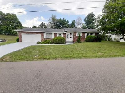 235 POPLAR DR, McConnelsville, OH 43756 - Photo 1