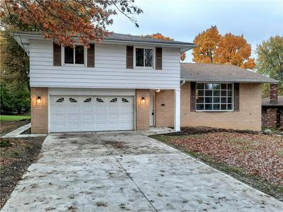 4501 MAPLE HILL DR, Seven Hills, OH 44131 - Photo 1