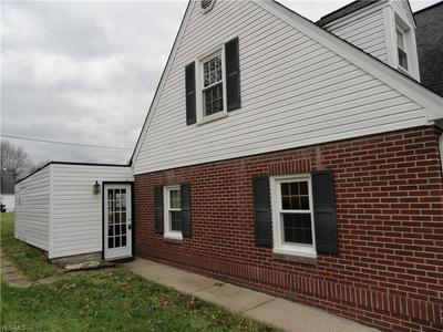 56 OAKLAND AVE, Wheeling, WV 26003 - Photo 2