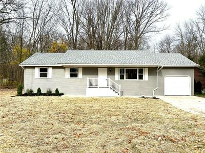 26962 ELIZABETH LN, Olmsted Township, OH 44138 - Photo 2