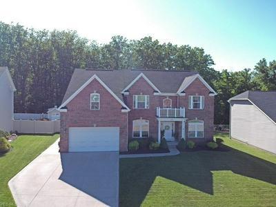 5600 W LONGRIDGE DR, Seven Hills, OH 44131 - Photo 2