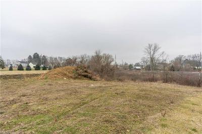 142 RELENTLESS WAY, Hartville, OH 44632 - Photo 1