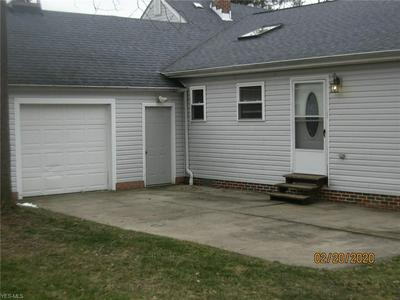 2233 COUNTRY CLUB DR, WICKLIFFE, OH 44092 - Photo 2