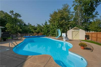 594 BARBCLIFF DR, Canfield, OH 44406 - Photo 2