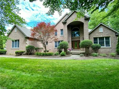 2353 COUNTRY BROOK DR, Hinckley, OH 44233 - Photo 1