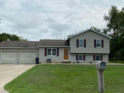 5 MAPLEWOOD DR, Greenwich, OH 44837 - Photo 2
