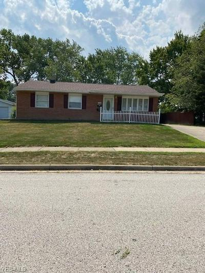 2296 NORMAN DR, Stow, OH 44224 - Photo 1