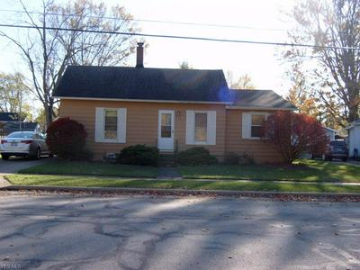 650 FRANKLIN AVE, Amherst, OH 44001 - Photo 2