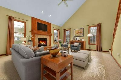12089 FOX GRV, STRONGSVILLE, OH 44149 - Photo 2