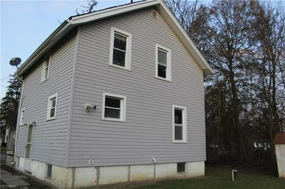 4035 W MARKET ST, LEAVITTSBURG, OH 44430 - Photo 2