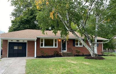 5451 HURON RD, Lyndhurst, OH 44124 - Photo 1