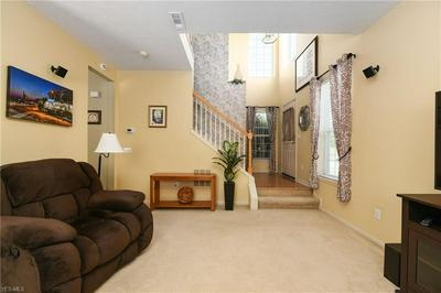 1580 N YORKSHIRE DR, Broadview Heights, OH 44147 - Photo 2