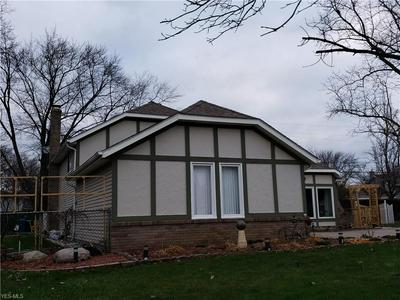 25104 LINDA DR, North Olmsted, OH 44070 - Photo 2