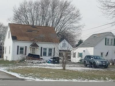 930 EVERETT RD, Fremont, OH 43420 - Photo 2