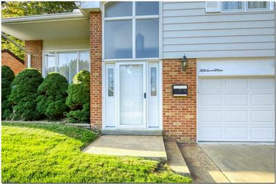 5701 HOLLYWOOD DR, Parma, OH 44129 - Photo 2