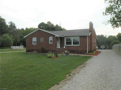 12665 INDIAN HOLLOW RD, Grafton, OH 44044 - Photo 2