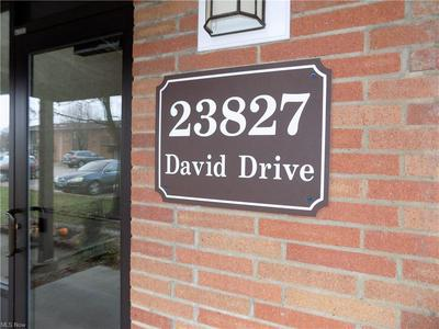 23827 DAVID DR UNIT 211, North Olmsted, OH 44070 - Photo 2