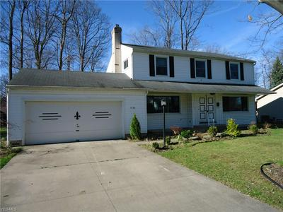 1036 OAKVIEW DR, Highland Heights, OH 44143 - Photo 2