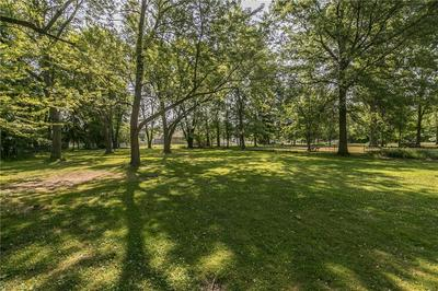 6499 CROSSVIEW RD, Seven Hills, OH 44131 - Photo 2