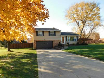 8296 WRIGHT RD, Broadview Heights, OH 44147 - Photo 1