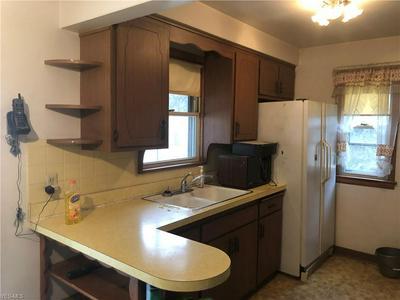 13507 ROCKSIDE RD, Garfield Heights, OH 44125 - Photo 2