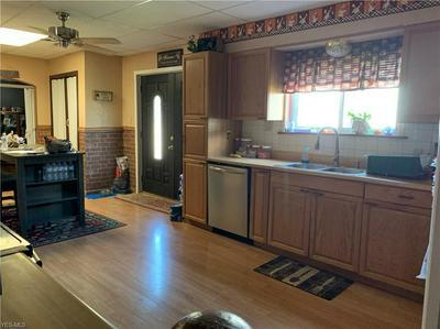 902 NATIONAL RD, Bridgeport, OH 43912 - Photo 2