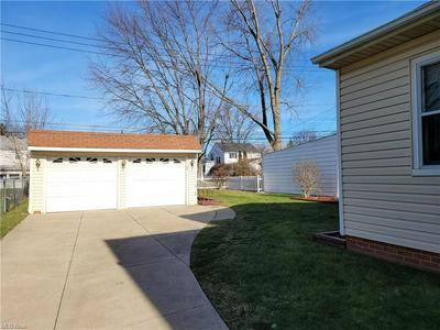 12609 DARLINGTON AVE, Garfield Heights, OH 44125 - Photo 2