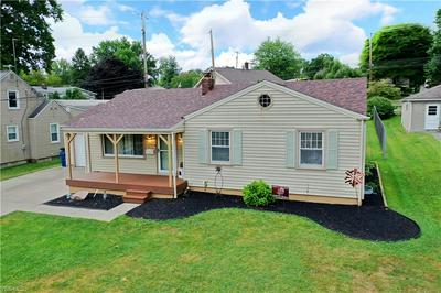 34 HOPEWELL DR, Struthers, OH 44471 - Photo 2