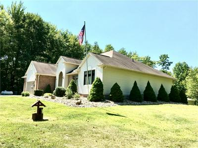 2100 STATE LINE RD, Hubbard, OH 44425 - Photo 2