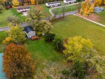 1711 SMITH KRAMER ST NE, Hartville, OH 44632 - Photo 2