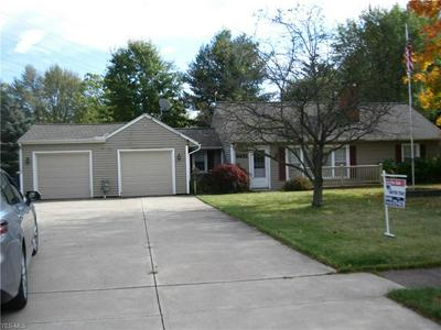 22262 COUNTRY MEADOWS LN, STRONGSVILLE, OH 44149 - Photo 2