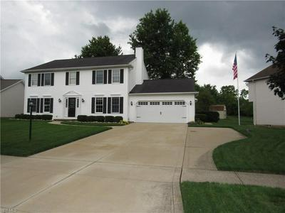 10515 LAKE MEADOWS DR, Strongsville, OH 44136 - Photo 2