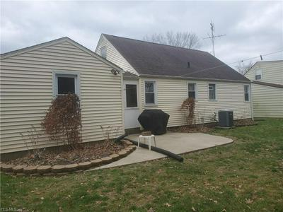 237 DEVINNEY AVE, Louisville, OH 44641 - Photo 2