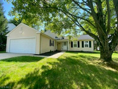 15514 HOWE RD, Strongsville, OH 44136 - Photo 1