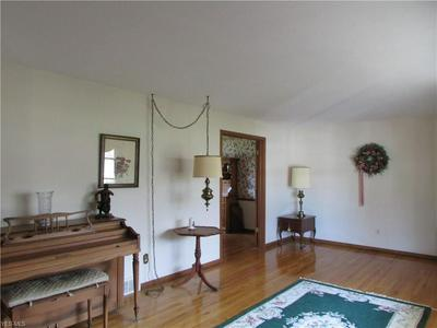 6199 MEADVIEW DR, Seven Hills, OH 44131 - Photo 2