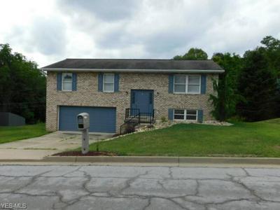 3233 SAINT CHARLES DR, Steubenville, OH 43952 - Photo 1