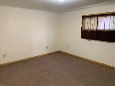 1035 COMMERCE ST, WELLSVILLE, OH 43968 - Photo 2