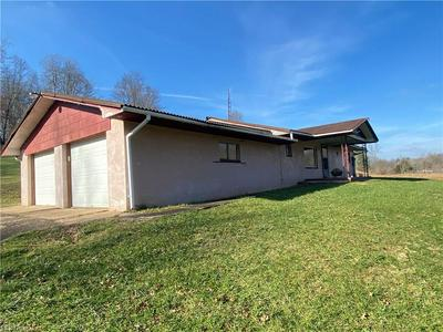 3517 ROSEMAR RD, Parkersburg, WV 26105 - Photo 2