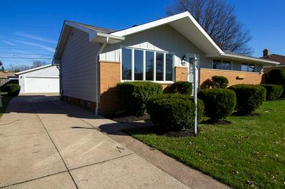 6871 REID DR, Parma Heights, OH 44130 - Photo 2