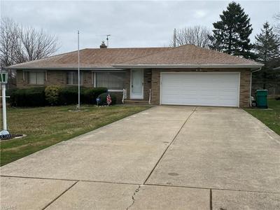 5733 SKYLINE DR, SEVEN HILLS, OH 44131 - Photo 1