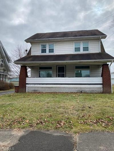 30 WILSON ST, STRUTHERS, OH 44471 - Photo 1