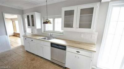 529 RICHMOND RD, Richmond Heights, OH 44143 - Photo 2