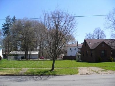 227 MADISON ST, Ravenna, OH 44266 - Photo 2