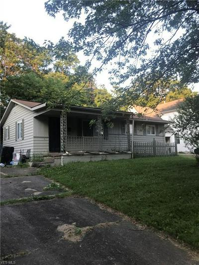 128 CHAMBERS ST, Campbell, OH 44405 - Photo 2
