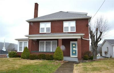 301 INDIANA AVE, CHESTER, WV 26034 - Photo 1