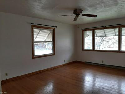 225 24TH ST NW, BARBERTON, OH 44203 - Photo 2