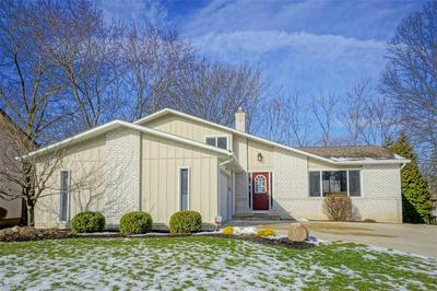 5836 N CROSSVIEW RD, SEVEN HILLS, OH 44131 - Photo 2