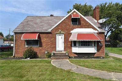 8002 W RIDGEWOOD DR, Parma, OH 44129 - Photo 1