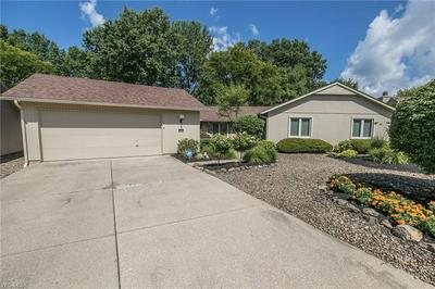 22206 MEADOWNORTH CT, Strongsville, OH 44149 - Photo 1
