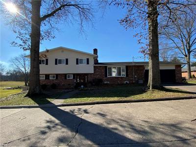 2703 EASTVIEW DR, Parkersburg, WV 26104 - Photo 1